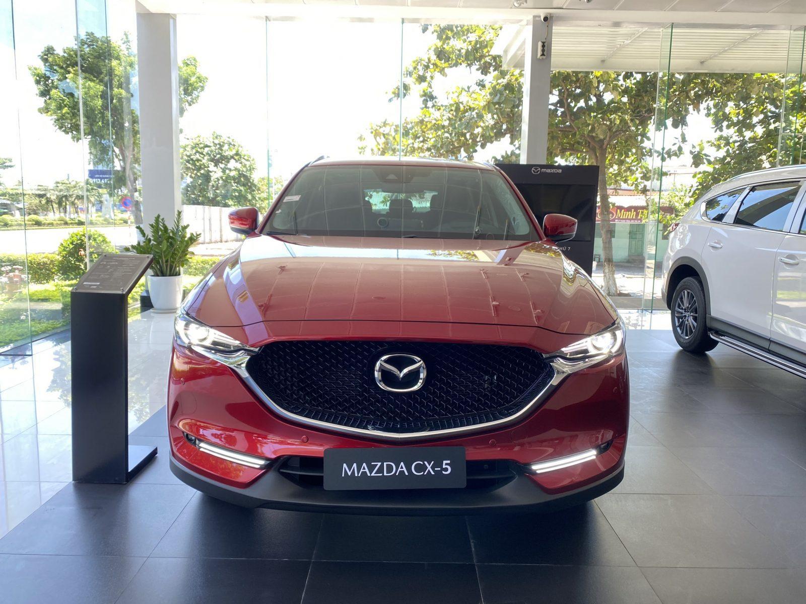 Phía trước Mazda CX5 Premium